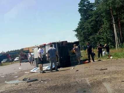 Кривава ДТП зі швидкою на Волині: з'явилося відео трагедії