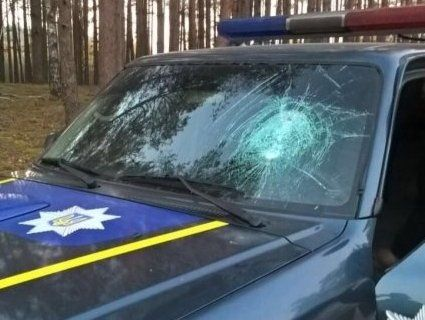 На Рівненщині селяни побили поліцейських автомобілів на 40 тисяч гривень