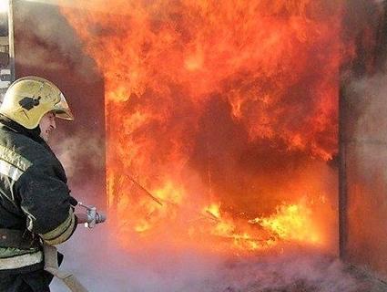 Приревнував: на Волині хлопець спалив гараж з автомобілем
