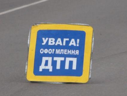 На Львівщині зіштовхнулися дві фури і рейсовий автобус