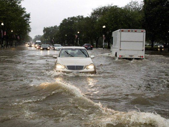 Вашингтон поплив: у США затопило навіть Білий дім (фото, відео)