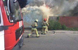У Києві людина заживо згоріла у вагончику