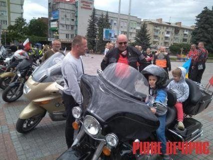 «Сини анархії»: до Рівного приїхали польські байкери (фото)