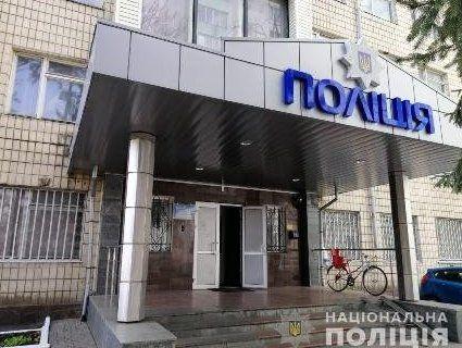 На Київщині 19-річний хлопець вчинив суїцид у відділенні поліції