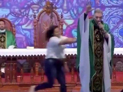 Священник сказав, що повних жінок не пускають у рай, і дістав миттєву кару (відео)