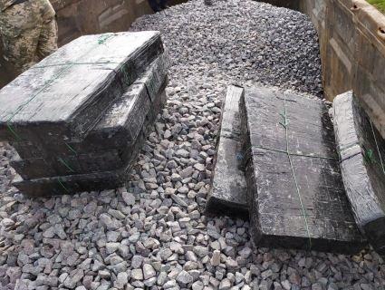 На Волині цигаркову контрабанду закопали в щебінь у товарняку (фото)