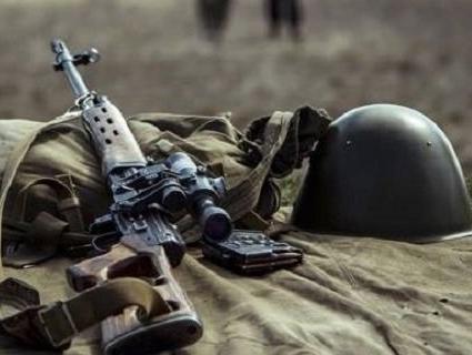 На Донбасі підірвався військовий