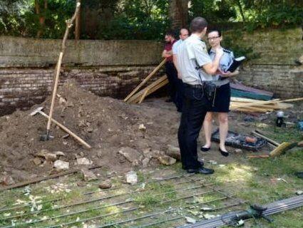 Під час протиаварійних робіт у львівському дитсадку робітника задавив бетонний блок