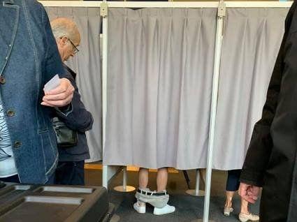 Спущені штани на дільниці та каструля – сейф: курйози парламентських виборів-2019