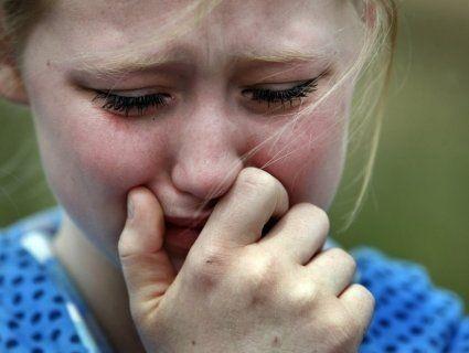«Стара скотина»: дід цілу ніч ґвалтував 13-річну онуку і знімав на телефон