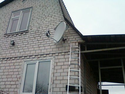 В Україні закодують телеканали на супутникових тарілках: купуйте тюнер-декодер