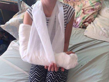 У Луцьку дівчинка отримала серйозну травму на надувних гірках