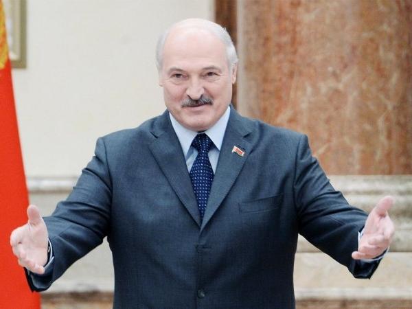 Лукашенко назвав Україну бідою і благає допомоги в ЄС