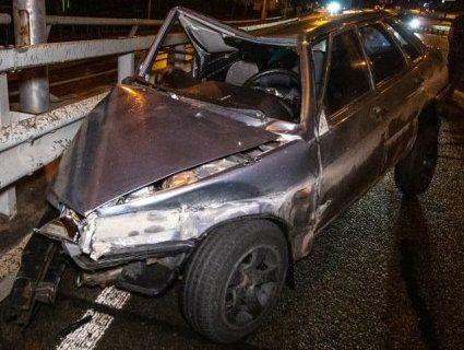ДТП у Києві: «дев'ятка» протаранила Lexus і влетіла у відбійник (фото, відео)