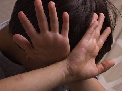 На Одещині зґвалтували хлопчика, а іноземця на смерть переїхав потяг