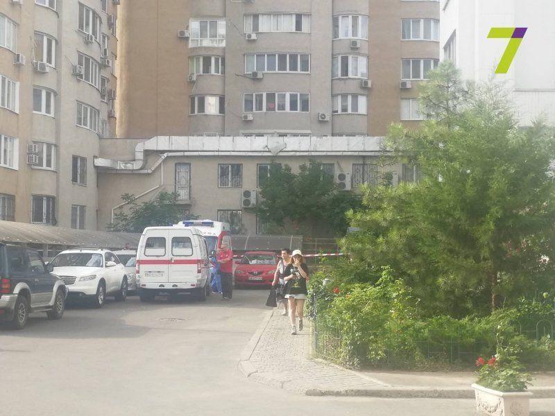 Моторошна смерть півторарічного хлопчика, який впав з 8 поверху (фото)