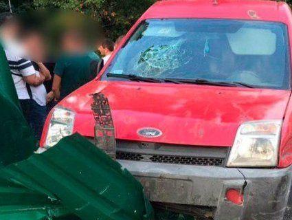 Як оскаженілі: у Луцьку п'яні водії їздять зі зброєю та тичуть хабарі (фото)