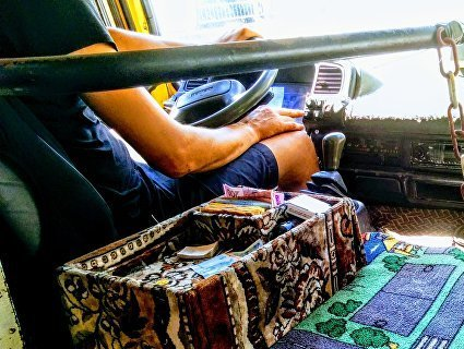 «Дрес-код» для маршрутників: лучани вимагають від водіїв прикрити торс і зняти шорти