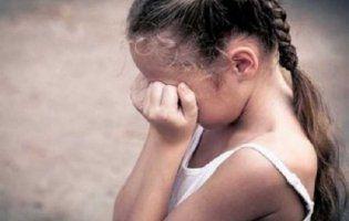 Вітчим неодноразово ґвалтував 8-річну дівчинку