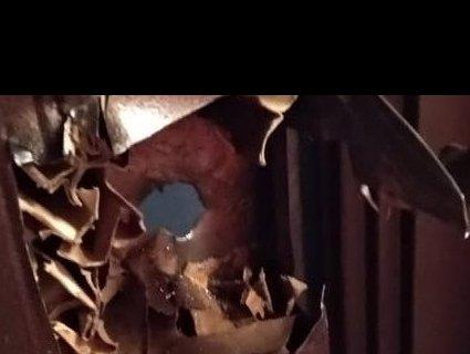 Порізали двері: на Рівненщині звільняли дитину із залізної пастки (фото)