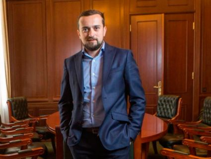 «Аби боротися за уми українців в Криму та на Донбасі»: в Україні створять російськомовний канал