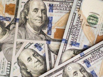 Коли найвигідніше купувати долар: поради експерта