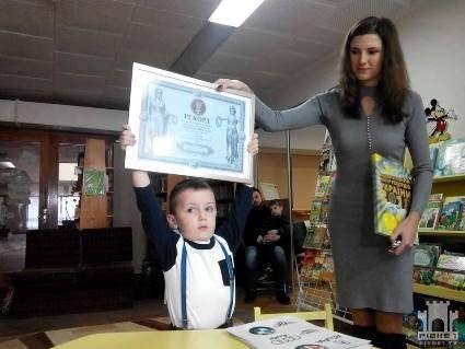 Завдяки унікальним здібностям, 4-річний хлопчик може назвати 253 марки автомобілів із емблемами