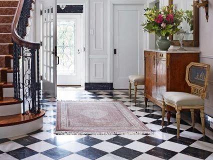 «Шаховий» малюнок на підлозі