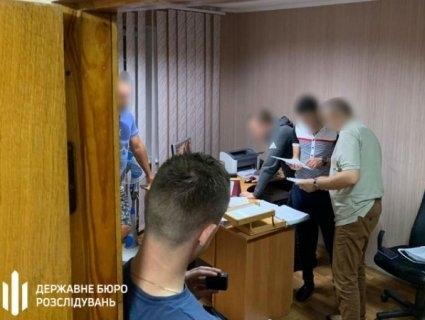 На Рівненщині поліцейський  «погорів» на хабарі від депутата