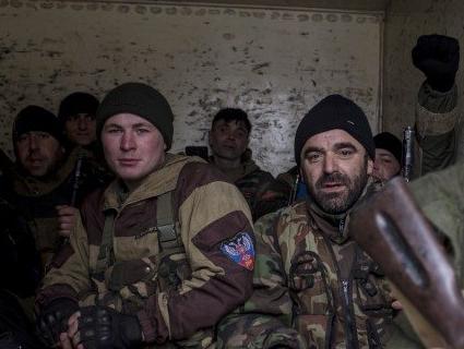 Комісія з Росії «строїть» бойовиків, котрі розкрадають зброю