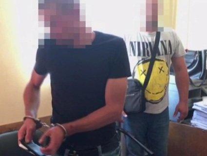 В Одесі чоловік планував обікрасти ексдружину, відтак скинув її з балкона (відео)