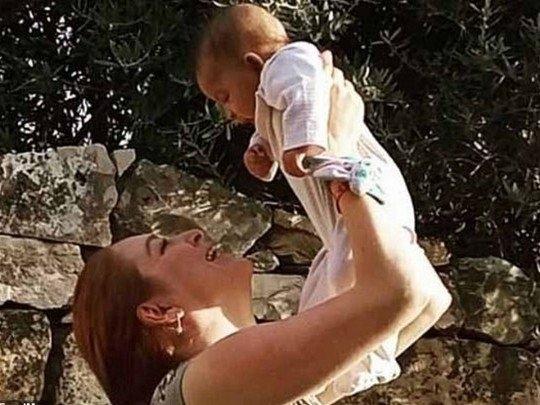 У зірки «Гри престолів» відібрали немовля (фото)