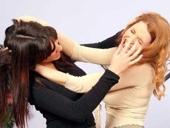 Українські дівчата влаштували криваве побоїще за кавалера