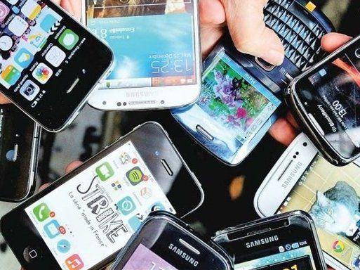 Хто прослуховує нас через смартфони та що робити