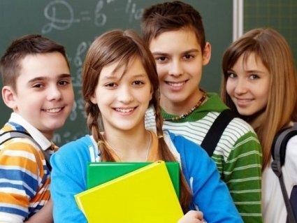 Як правильно обрати шкільну форму і портфель для дитини
