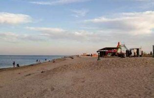 В Азовському морі потонула дівчинка, бо на пляжі немає рятувальників