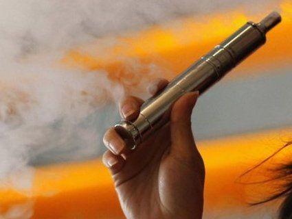 Збирають підписи, аби заборонити продаж електронних сигарет дітям