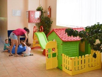 В українських поліклініках можуть зникнути дитячі куточки