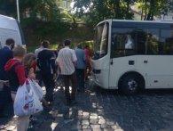 У Львові безхатьки миються у «веселому автобусі»