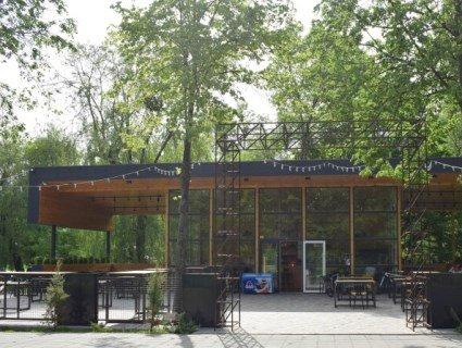 У Луцьку в парку кафе працюватиме до 4 години ранку