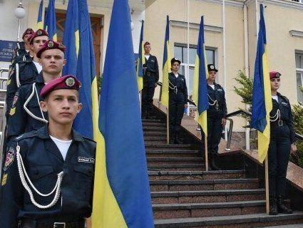 У Луцьку урочисто підняли Прапор України (фото)