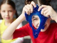 Користь та небезпека лизуна та як зробити слайм в домашніх умовах