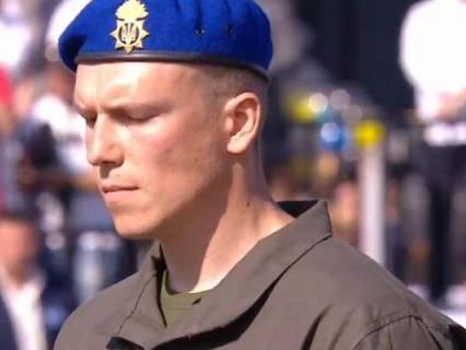 В «Азові» пояснили, чому їхній капітан не «взяв під козирок» перед Зеленським (відео)