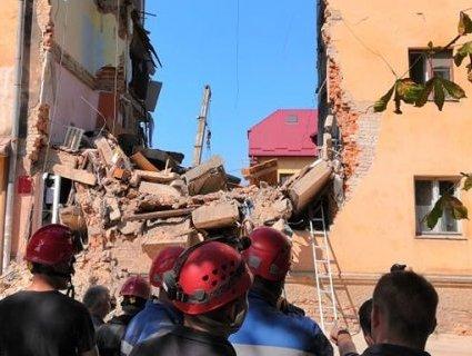 Обвал будинку у Дрогобичі: розглядають три версії