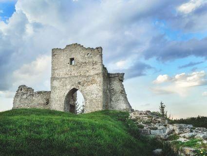 Що подивитись у Кременці: гора дияволиці Бони, єзуїтський колегіум та козацький цвинтар
