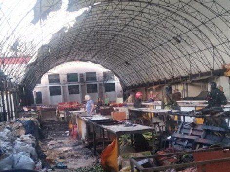 Масштабна пожежа на ринку в Одесі: горіли десятки магазинів (фото)