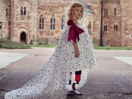 9-річна дівчинка без ніг вийде на подіум (фото)