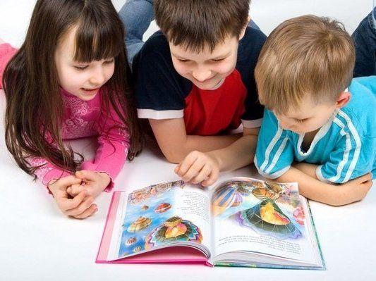 Друковані VS електронні: які книги корисніші для малюків