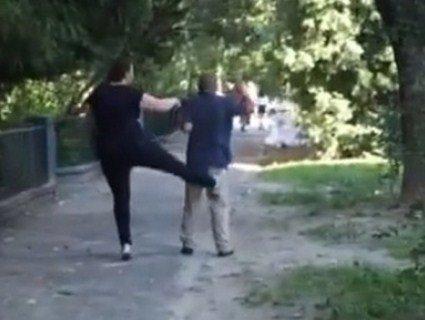 У Львові навісна жінка «смалила» інваліда шокером і побила його захисницю (відео)