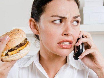 Зайві кілограми – через постійний стрес: як не «заїдати» булочками негативні  емоції